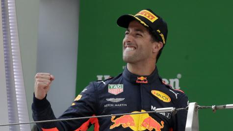 Red Bull chief urges Ricciardo to stay put